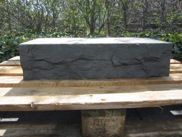 Basalt Pure Blockstufen 68 / 32 / 16 cm