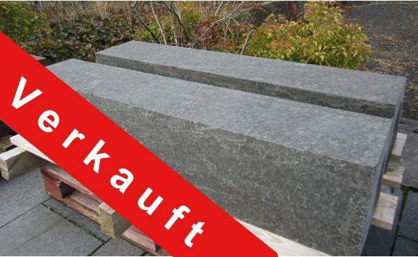 Basalt Pure Bordsteine 136/27-30/25 cm