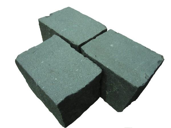 Granit dunkel grau 15/18-20 cm